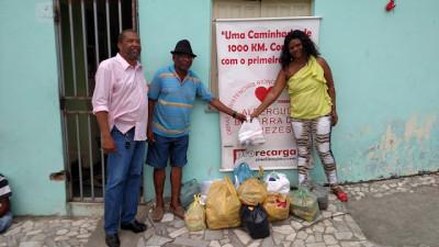 Doação de alimentos Albergue Bezerra de Menezes - Foto Vladistone Menezes