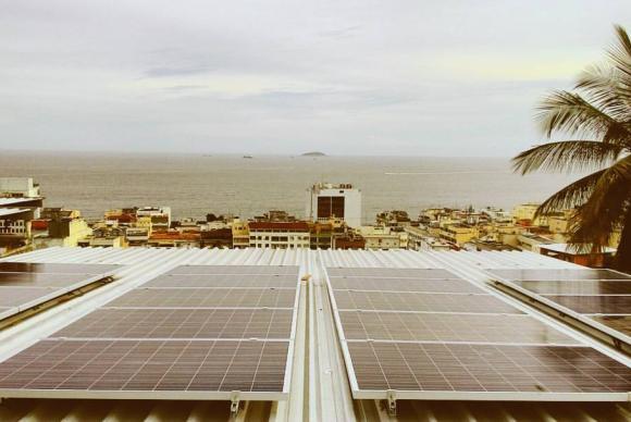 energia_solar_instalacao_babilonia_rio_hostel