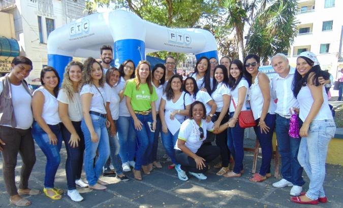 Ações na Praça Mobilizaram Professores e Estudantes de Enfermagem da FTC