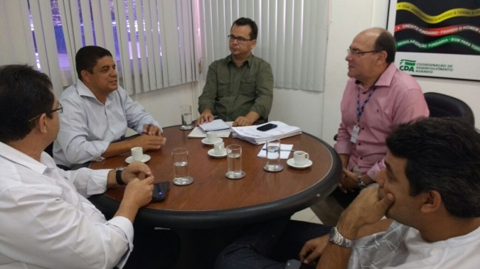 Lenildo esteve em reunião com técnicos da Coordenação de Desenvolvimento Agrário na SDR