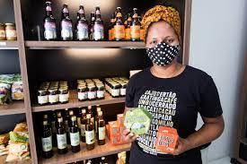Produtos feitos com frutos da Caatinga e renda para agricultores familiares  | Criativa Online