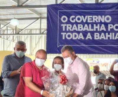 Rui recebe Kits de produtos da Bahia Cacau